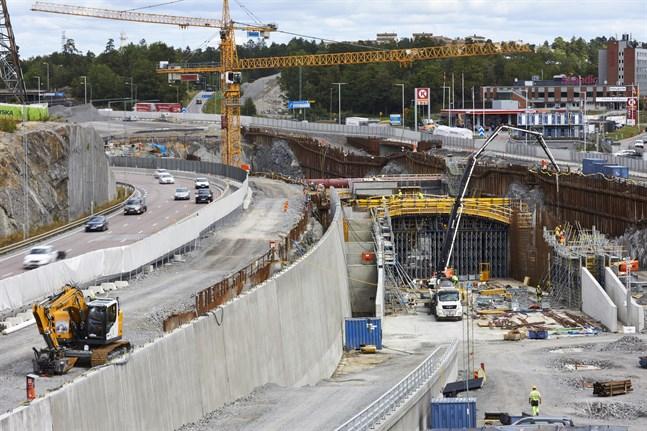 Infrastrukturprojektet Förbifart Stockholm försenas med fyra år och blir drygt tre miljarder kronor dyrare än tidigare beräknat. Arkivbild.