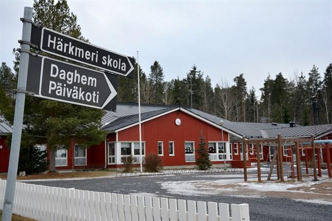 Det blir byte på rektorsposten i Härkmeri skola.
