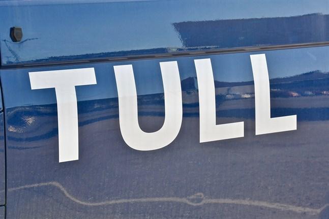 Hovrätten gör små ändringar i jävdomen mot Tullens tidigare generaldirektör, men ändrar inte straffet på tio dagsböter.
