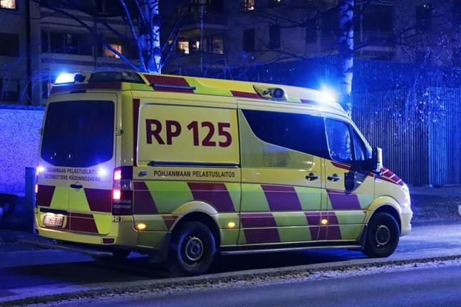 Räddningsverket och ambulansen kallades till platsen.
