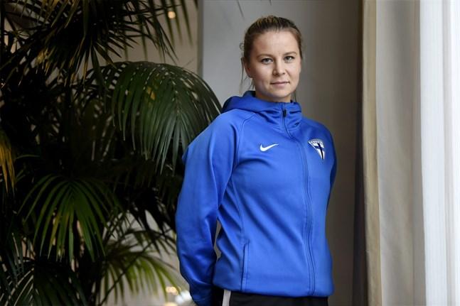 Emmi Alanen spelade sina senaste matcher med landslaget 13 och 17 juni då Finland mötte Island.