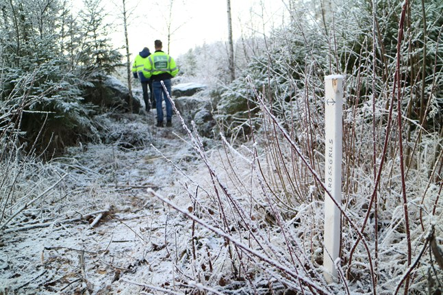 Det här nydragna avsnittet nära Molnviken ska inom kort jämnas upp med krossgrus.
