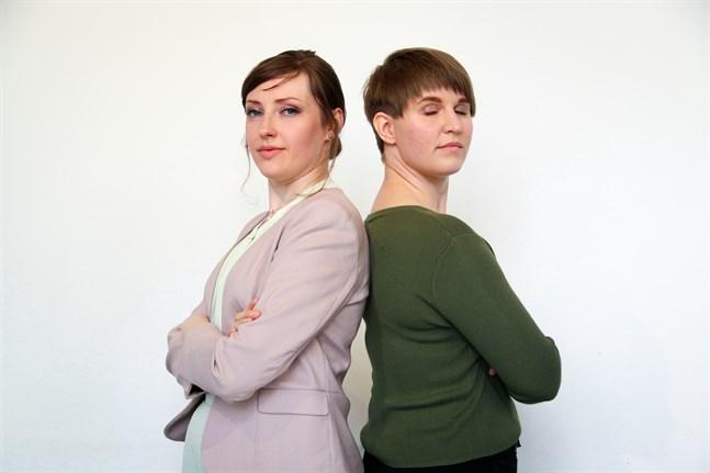 Frida Wickholm och Minerva Peijari i Teater Hekate vill bryta stigmat kring psykisk ohälsa.