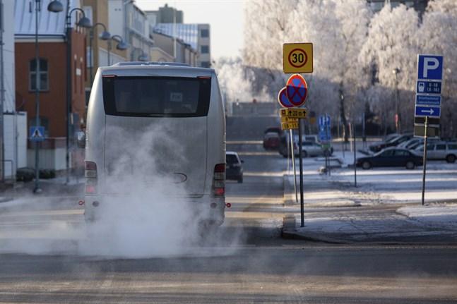 Busstrafiken mellan Sydösterbotten och Vasa kan påverkas av nya spelregler för subventionerade regionbiljetter.