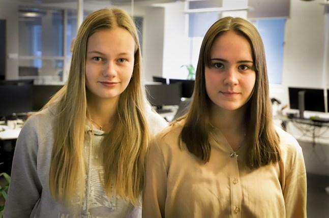 VBL:s praoelever Amanda Pada och Sonya Suomela.