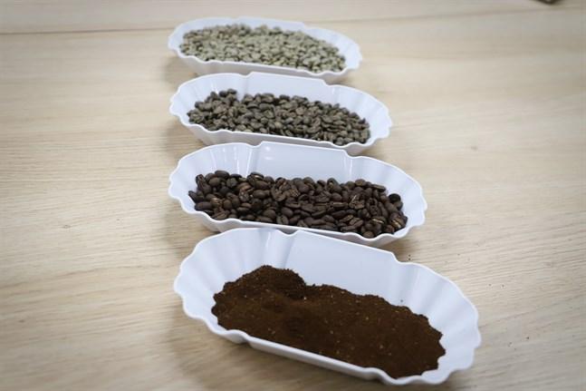 Janne Mäki importerar kaffebönor från Sydamerika, Centralamerika och Afrika. Han uppskattar när kaffesmaken är mild och len.