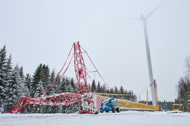 Vindkraftverken i Ribäcken och Långmossa restes i slutet av 2019. Förra hösten började jakten på rätt väder för att kunna mäta vindkraftsbullret. Nu är resultatet klart.