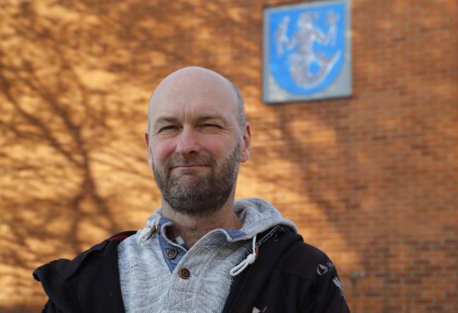 Sedan augusti 2018 jobbar Stefan Fogström som sysselsättningskoordinator i Vörå.
