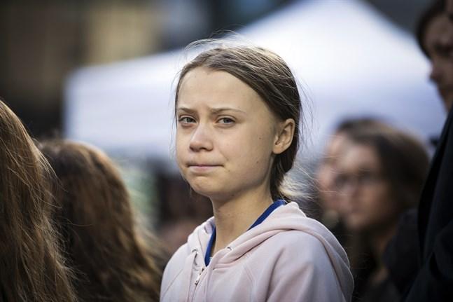 Greta Thunberg, här under en klimatdemonstration i Vancouver, Kanada, i oktober, ska segla över Atlanten på en katamaran. Arkivbild.