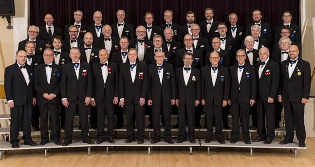 Jakobstads Sångarbröder ser gärna att fler sångare ansluter sig till dem.