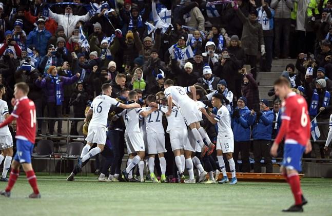 Finlands herrlandslag är klart för sitt första internationella mästerskap någonsin.