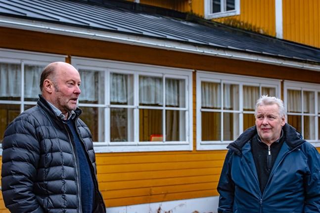 Bengt Lybäck och Christer Lindqvist vill inte vara elaka, men de är ledsna över Samlingshusets förfall.
