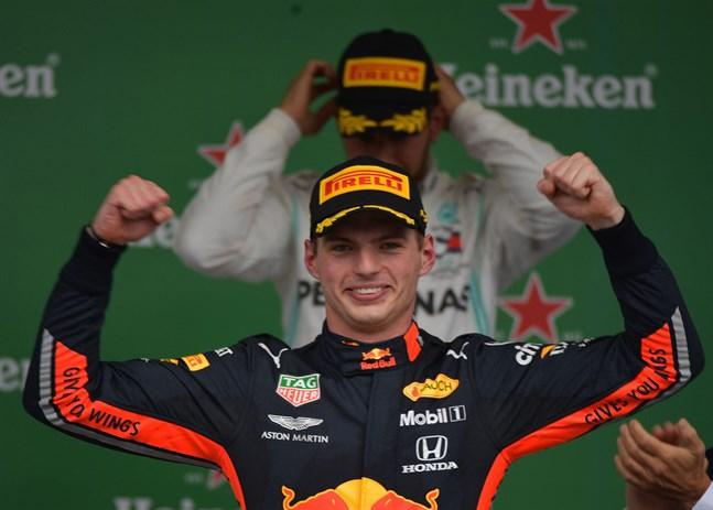 Lewis Hamilton har dominerat stora delar av säsongen, men nu fick han stå i Max Verstappens skugga.