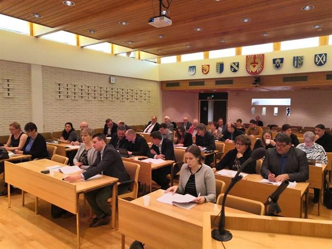 Stadsfullmäktige i Närpes sa med klar majoritet ja till en fusion med Kaskö.