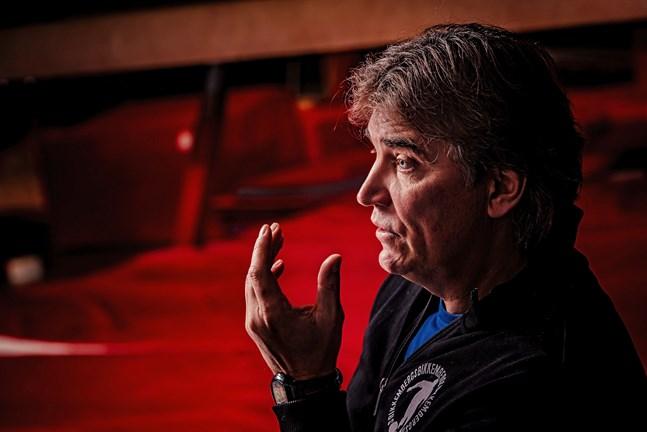 Alexei Eremenko gillade inte att SJK-ledningen, med ägaren Raimo Sarajärvi spetsen, blandade sig i det sportsliga som han hade ansvar för i egenskap av chefstränare.