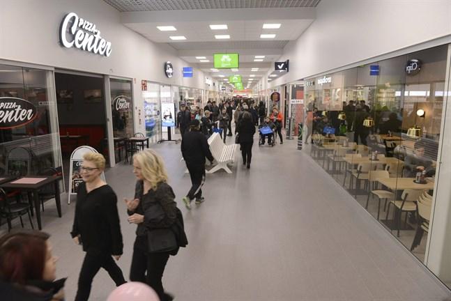 Tisdagen var dramatisk på Ideapark i Seinäjoki med brand och falskt hot. Bilden är från invigningen tidigare i november.