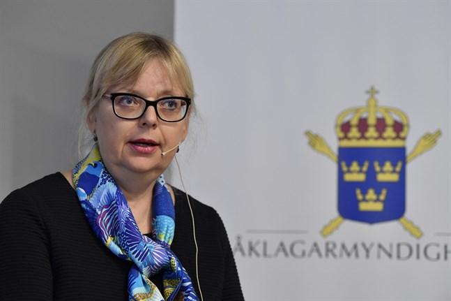 Vice överåklagare Eva-Marie Persson lägger ner förundersökningen mot Julian Assange.