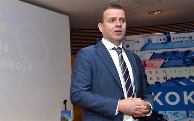 Samlingspartiets ordförande Petteri Orpo säger att enda sättet att finansiera vården för en åldrande befolkning är att öka sysselsättningen.