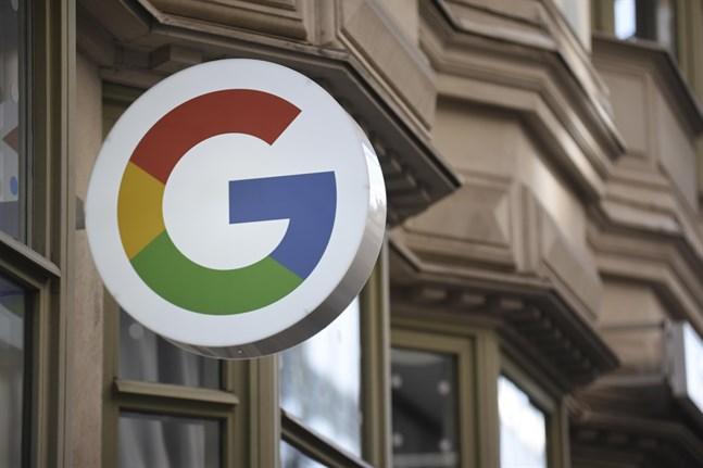 Det går inte att undgå de villkor som Facebook och Google har dikterat om man vill använda internet, skriver Amnesty i ett pressmeddelande.