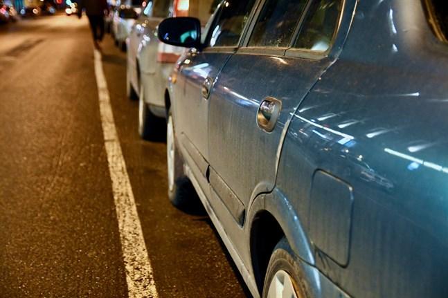 Konkurrens- och konsumentverket (KKV) har avslöjat en kartell bland bilskolor i Nyland.