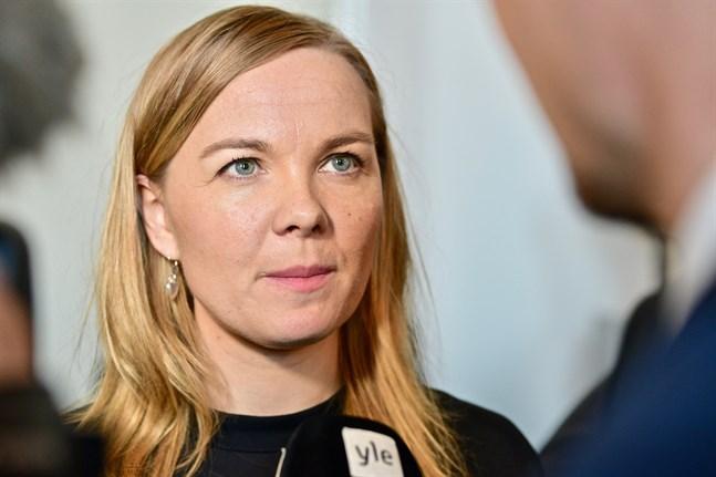 Näringsminister Katri Kulmuni (C) anser att innovationsstödet stärker varvsindustrins internationella konkurrenskraft.
