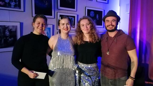 Här är alla pristagarna i talangjakten Visa vad du kan: Sofie Lundell (till vänster), Sofia Stenstrand, Elin Boström och Yones Wilson.