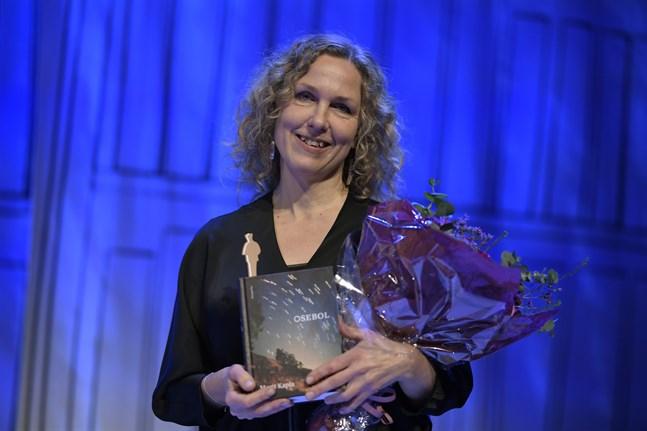 """Marit Kapla tog hem Augustpriset i den skönlitterära kategorin med sin bok """"Osebol""""."""