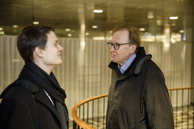 PAU:s jurist Ilkka Avela och förbundssekreterare Esko Hietaniemi deltog i förhandlingarna om poststrejken på tisdagen.
