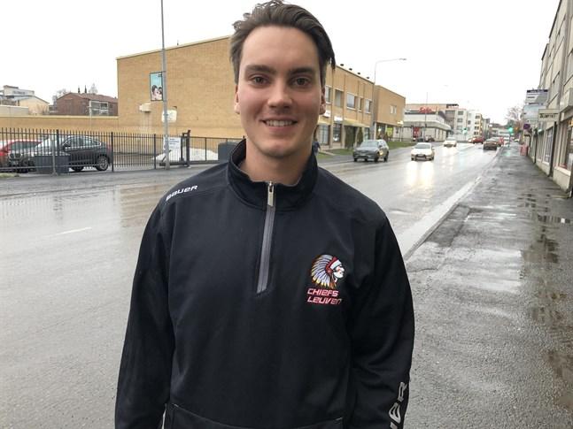 William Kangasniemi inledde målfyrverkeriet när Myran krossade FC-92 med hela 11-0.