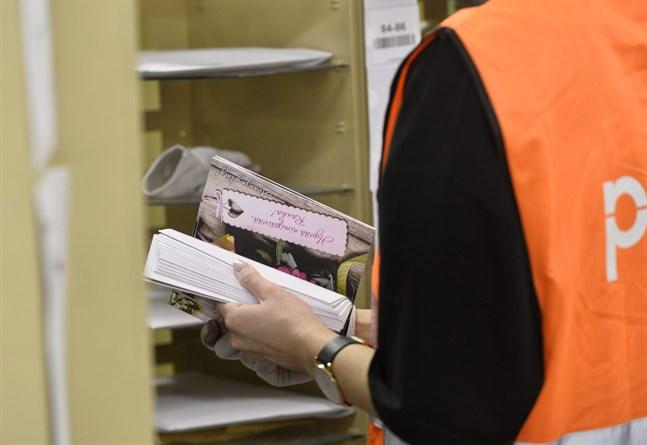 Sympatistrejkerna pressade fram en lösning i tvisten om Postens 700 paketsorterare. Men det är endast en tidsfråga innan paketsorteringen vid Posten automatiseras, tror forskare vid Näringslivets forskningsinstitut Etla.