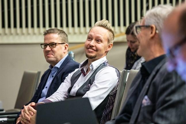 Tim Wallin föreläste i höstas på ett ledarskapsforum som hölls vid Campus Allegro i Jakobstad. Nu öppnar företaget kontor i Jakobstad.
