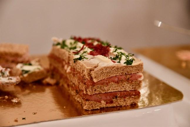 I fjol bjöds gästerna vid slottsbalen bland annat på smörgåstårta.