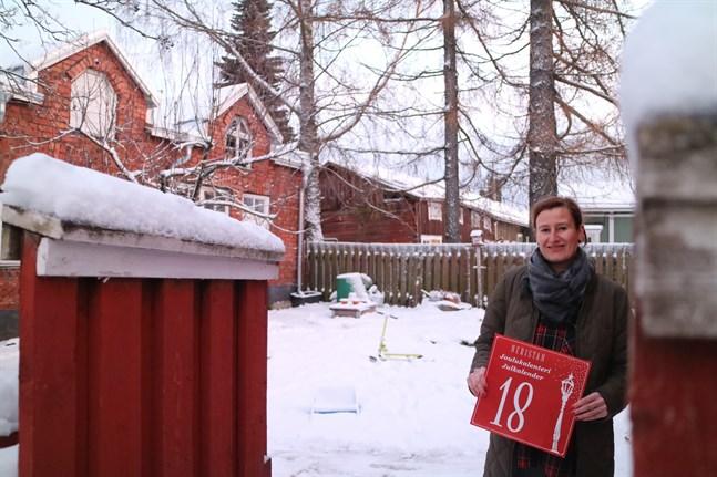 Neristan öppnar portarna. Den traditionella julkalendern i Neristan ordnas för tionde året. Heidi Nyblom Kuorikoskis familj deltar med lucka nummer 18.