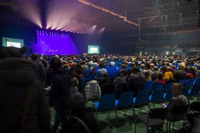 KAJ firar i år tioårsjubileum med dubbla konserter i Botniahallen. Arrangörerna räknar med ungefär 4000 personer på varje konsert.