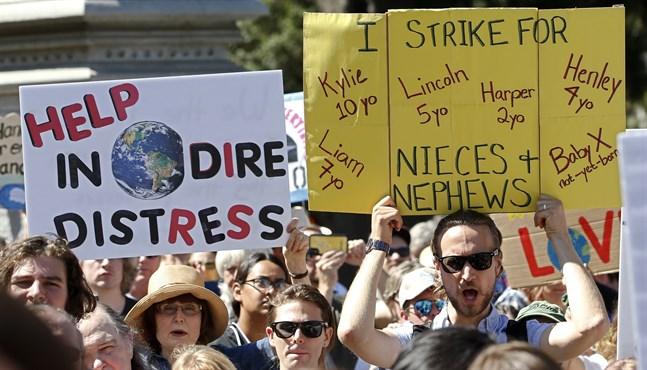 Invånare i Kalifornien demonstrerar för skärpta klimatåtgärder. Arkivbild.
