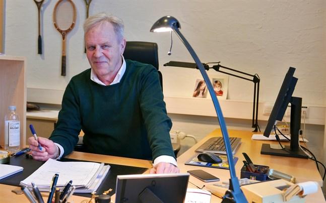 Göran Djupsund, professor emeritus i statsvetenskap, tycker inte att man ska kalla de senaste dagarnas händelser för någon regeringskris.
