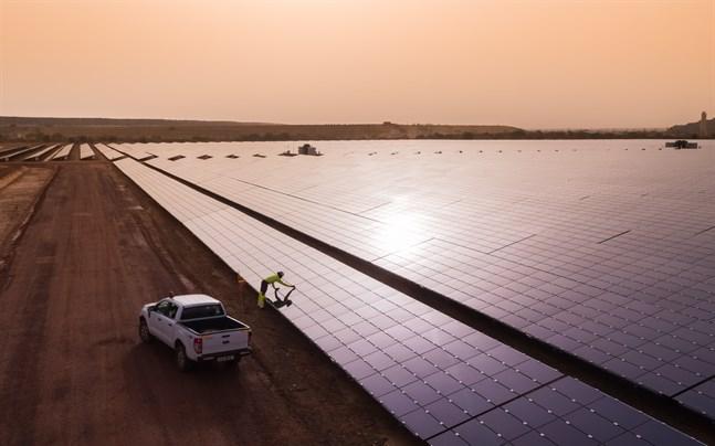 Solenergikraftverket på bild är från en gruva i Burkina Faso.