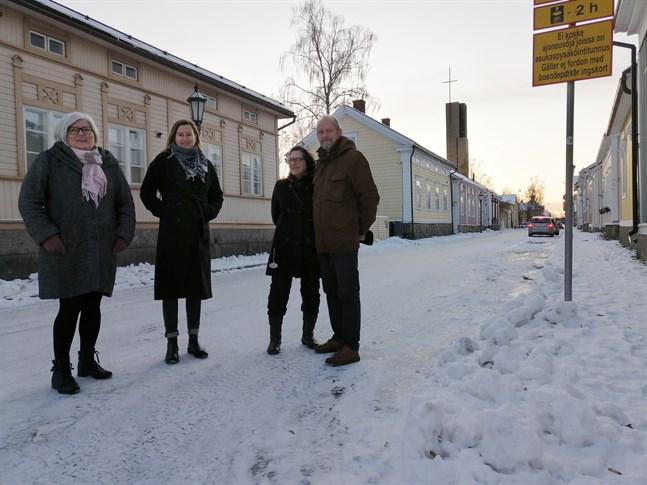 Kristiina Teerikangas, Heidi Nyblom Kuorikoski, Liisa Ranto-Oikari och Lassi Oikari hoppas att Karleby stad skulle stöds Neristassborna på ett bättre sätt.