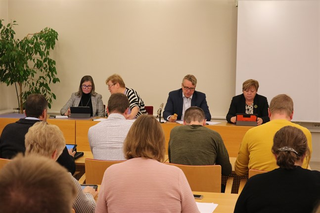 Larsmo kommunfullmäktige får en ny ordinarie medlem.