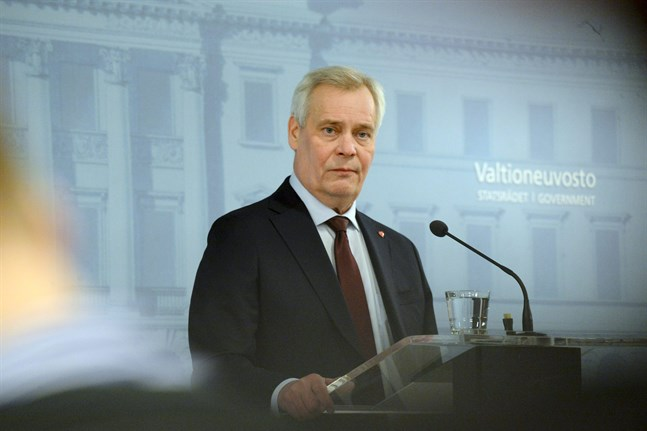 Antti Rinne (SDP) höll en presskonferens strax efter klockan 13.