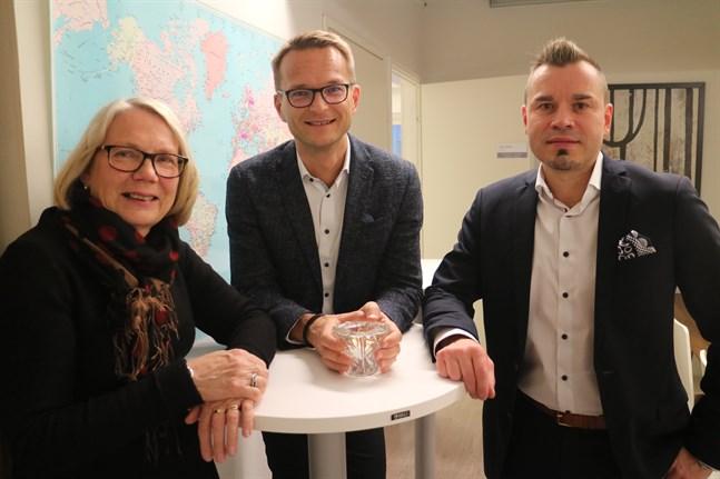 Siv Peräneva, ägare för Numera bokföringstjänst, Cedric Frostdahl, vd för Norlic och Jari Rättyä, affärsområdesdirektör på Norlic, tror alla att Norlic har en ljus framtid i Karleby.