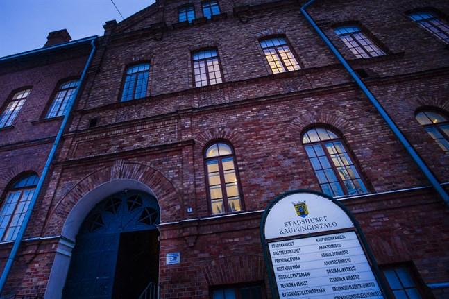 Stadshuset i Jakobstad. Arkivfoto.