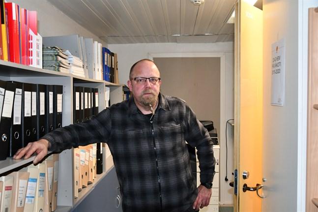 Kristinestad har inte haft någon ordinarie teknisk direktör sedan Ari-Johan Myllyniemi slutade. Efter sex månaders tjänstledighet sade han upp sig i somras.