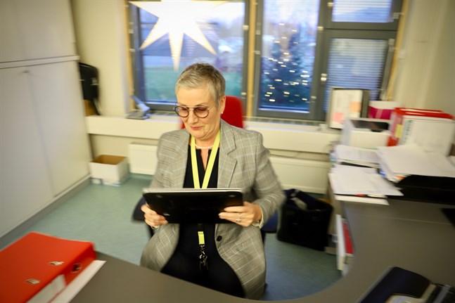 Kontoret vid Westerhemmet i Malax eller hemma i Vikby. Nuförtiden har Therese Sten-Nordström, vikarierande chef för äldreomsorgen, två ställen hon kan jobba på.