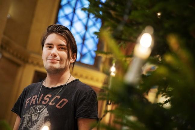 """André Linman, från Vasa, gör en soloturné och medverkar i """"Raskasta joulua""""-turnén de kommande veckorna."""