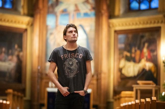 För första gången ger André Linman julkonserter, första konserten är i Trefaldighetskyrkan.