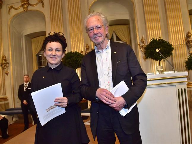 Olga Tokarczuk och Peter Handke fick båda långa och innerliga applåder efter sina Nobelföreläsningar.