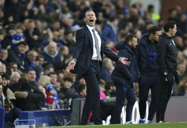 Duncan Ferguson ledde omgående Everton till seger hemma mot Chelsea.