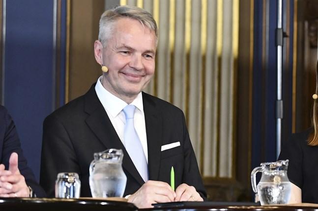 Utrikesministeriets tjänstemän är missnöjda med utrikesminister Pekka Haavistos (Gröna) agerande.