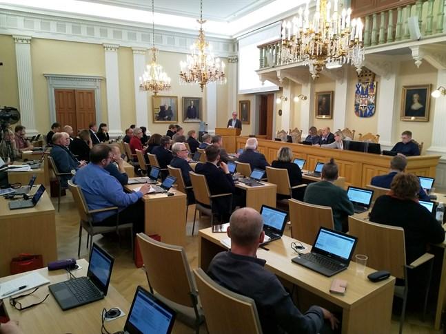 Jakobstads fullmäktige godkände förslaget till grundavtal för samkommunen för Österbottens välfärdsområde.
